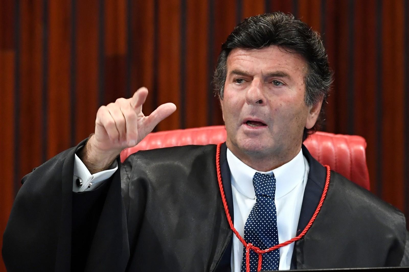Luiz Fux –Vice-presidente do STF suspendeu as investigações contra ex-assessor do senador eleito Flávio Bolsonaro