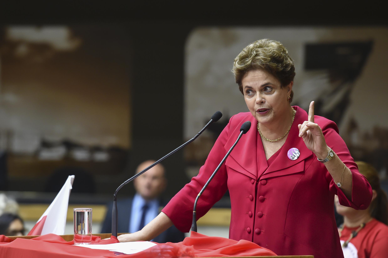 É falso que Dilma defendeu idades mínimas de 85 e 95 anos para aposentadoria