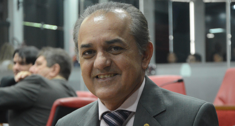 O atual presidente da Câmara de João Pessoa, João Corujinha, apesar de ser o que mais enricou na última legislatura entre os vereadores, passou por um humilhante pedido…