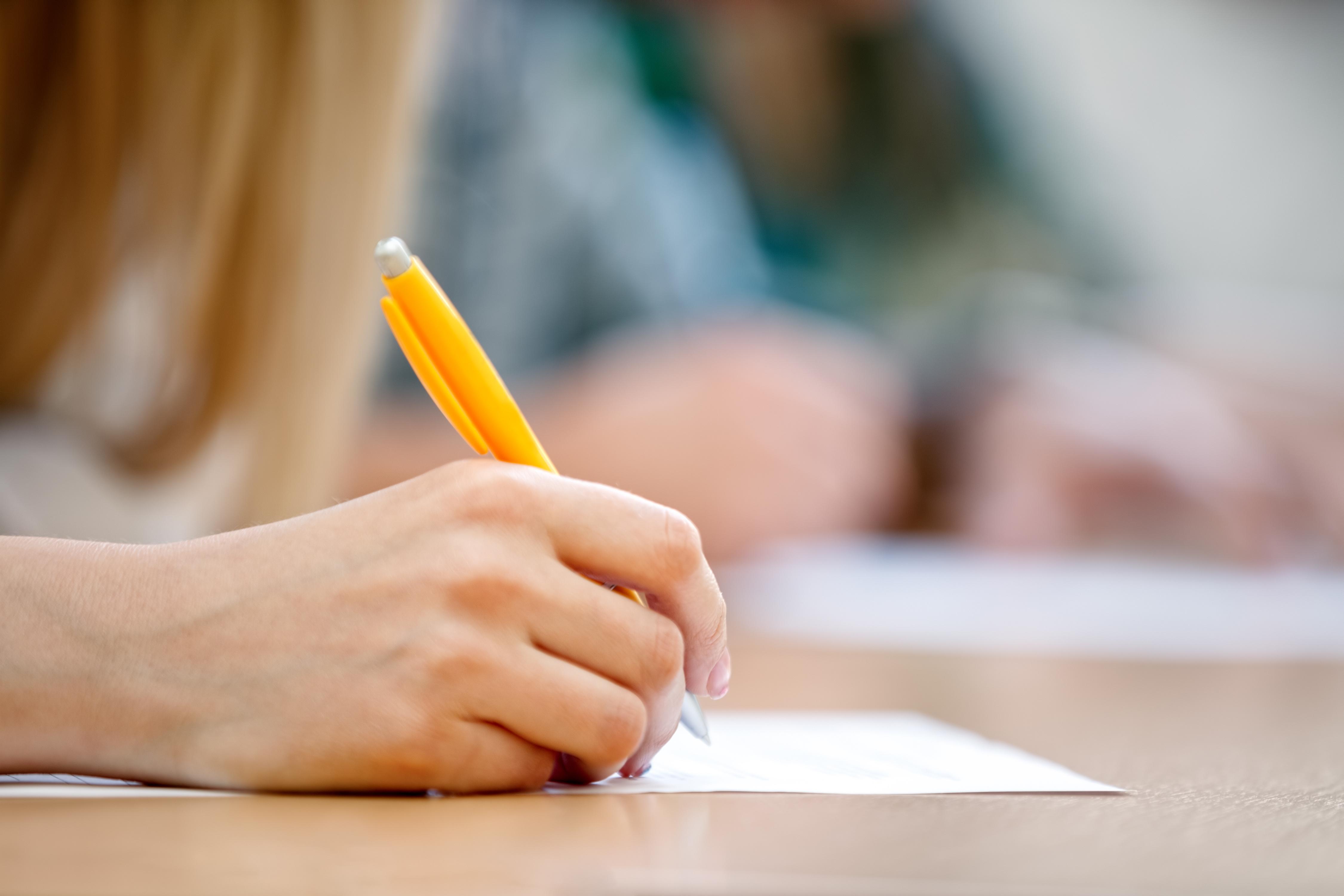 Governo do Estado divulga edital de concurso com mil vagas para professor