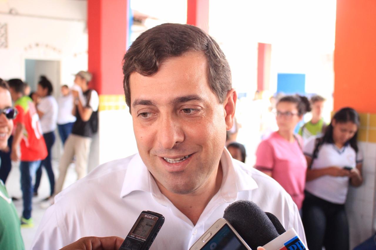 """Deputados que ficaram, e os debutantes na ALPB, encontraram um nova forma de denominar o ex-presidente Gervásio Maia. Criatividade é tamanha, que cabe o registro: """"Gervásio Mau""""."""