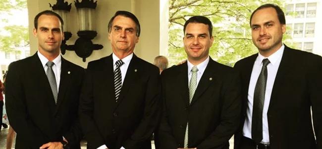 Clã Bolsonaro negocia deixar PSL e migrar para nova UDN