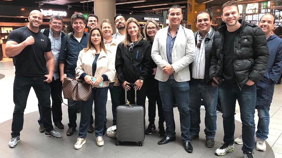 Deputados do PSL e DEM em viagem à China vão processar Olavo de Carvalho