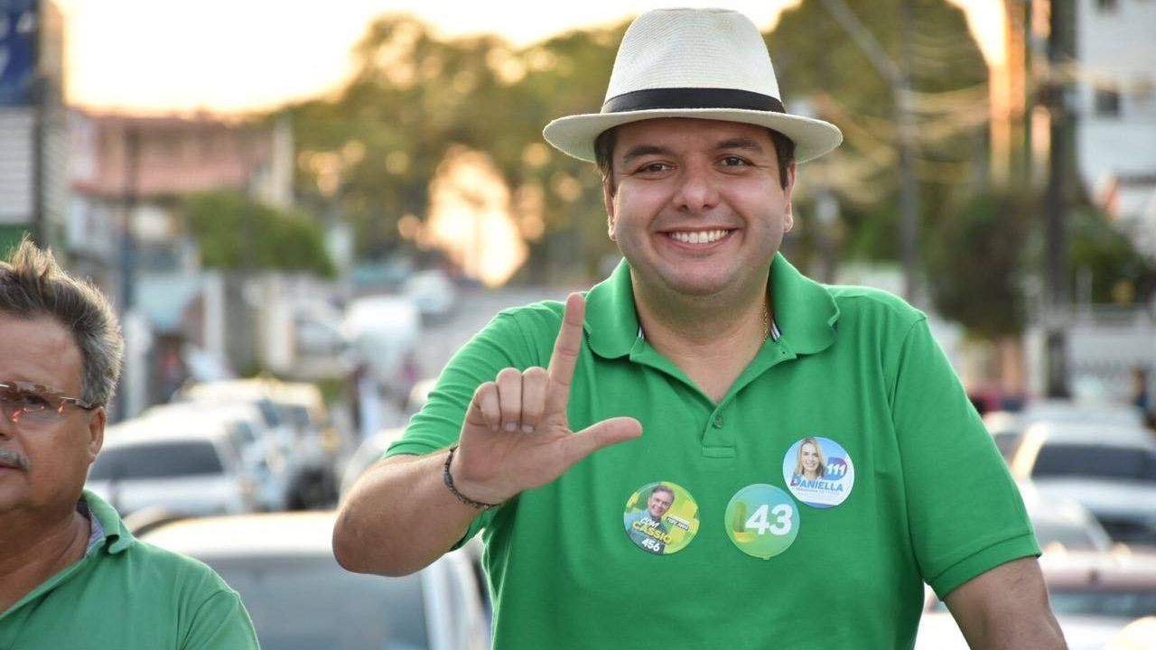 Que o novo secretário de Desenvolvimento Social, Diego Tavares, acumulará duas pastas. A oficial e a extra: Comunicação.