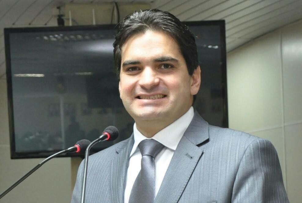 Irmão do presidente da ALPB, e ex-vereador de Campina Grande que fez um grande mandato, Murilo Galdino é o candidato dos sonhos a vice pelas oposições a Romero Rodrigues.