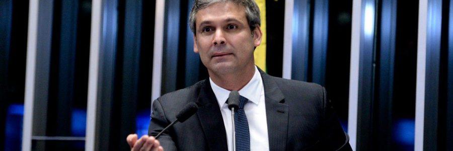 Paraibano que já foi prefeito e senador no Estado do Rio de Janeiro agora vai disputar a vereança. Ô quedona!