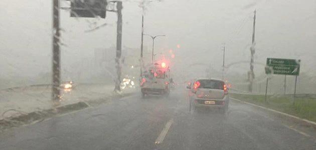 151 cidades da PB estão sob alerta de chuvas intensas com risco de alagamentos e raios