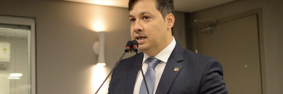 Os integrantes do G10 se reuniram ontem com o governador João Azevêdo, para reafirmar o compromisso com a governabilidade. Detalhe: o líder do grupo, Junior Araújo, a quem…