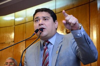 Renato Martins toma posse como vereador na Câmara de JP