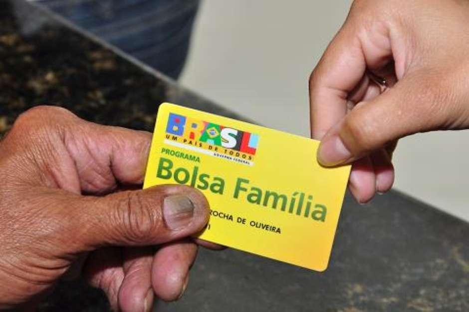 Pagamento do 13º do Bolsa Família está garantido, informa porta-voz