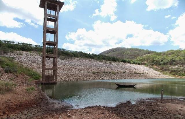Boqueirão chega a 21% de capacidade; deputado cobra solução para transposição