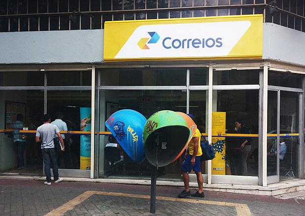 Bolsonaro inclui Correios no programa de privatizações