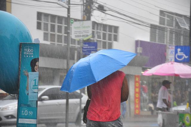 Inmet prevê chuvas e maré de mais de 2,4 metros no litoral da PB