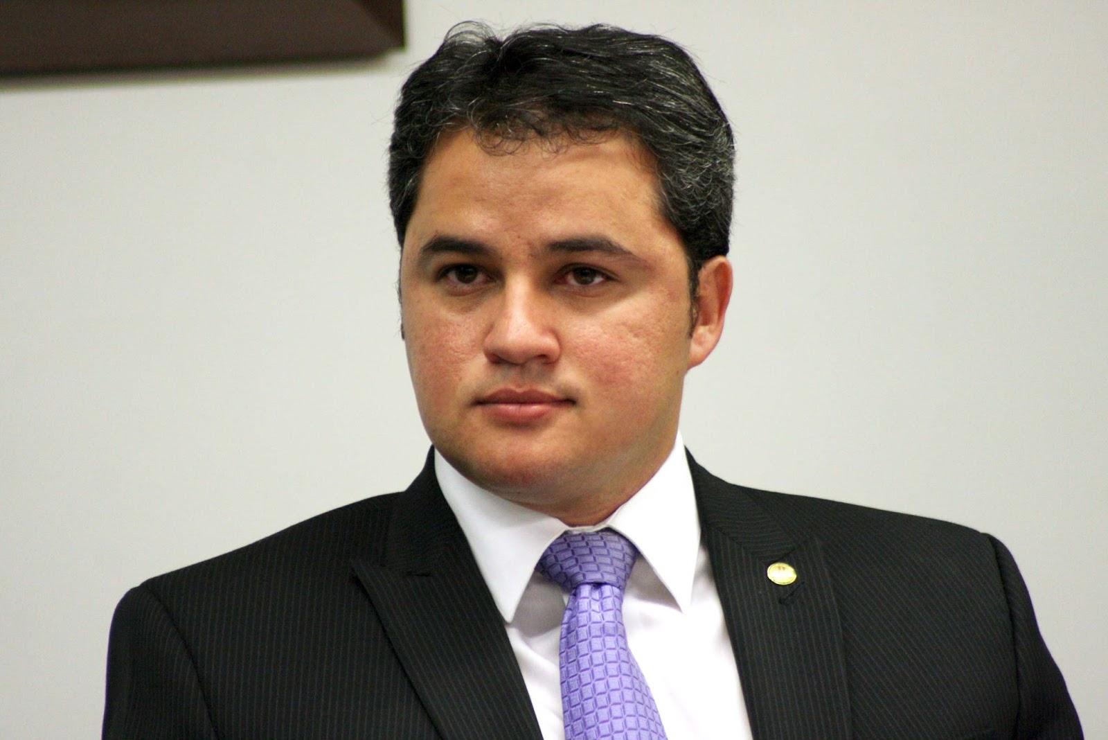Efraim Filho e deputados do Nordeste se reúnem com Bolsonaro: 'Discutimos prioridades da região'