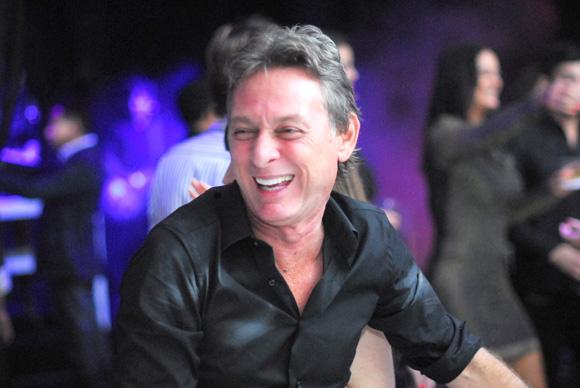 O empresário Roberto Santiago já retomou o seu ritmo frenético como administrador. Marcou, para essa quarta (7), uma reunião na maior sala de cinema…