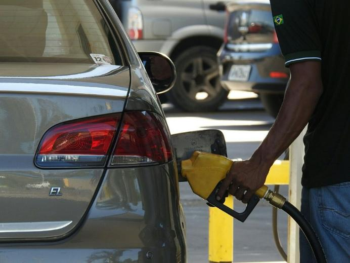 Fake: Delivery de combustível vai 'acabar' com postos em todo o Brasil