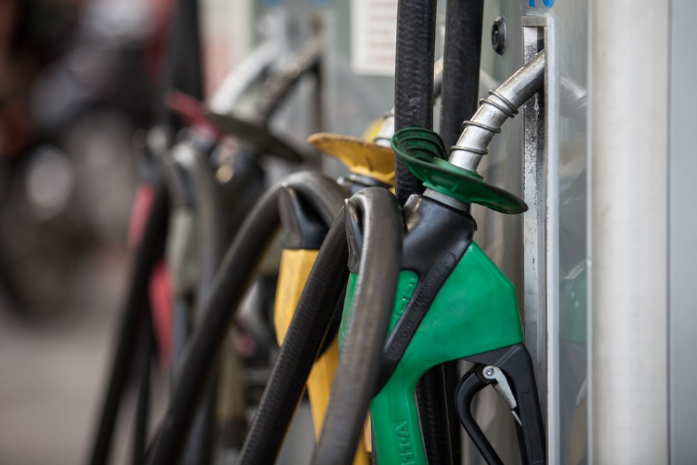 Gasolina fica 5% mais cara e diesel tem reajuste de 3%, a partir desta quarta