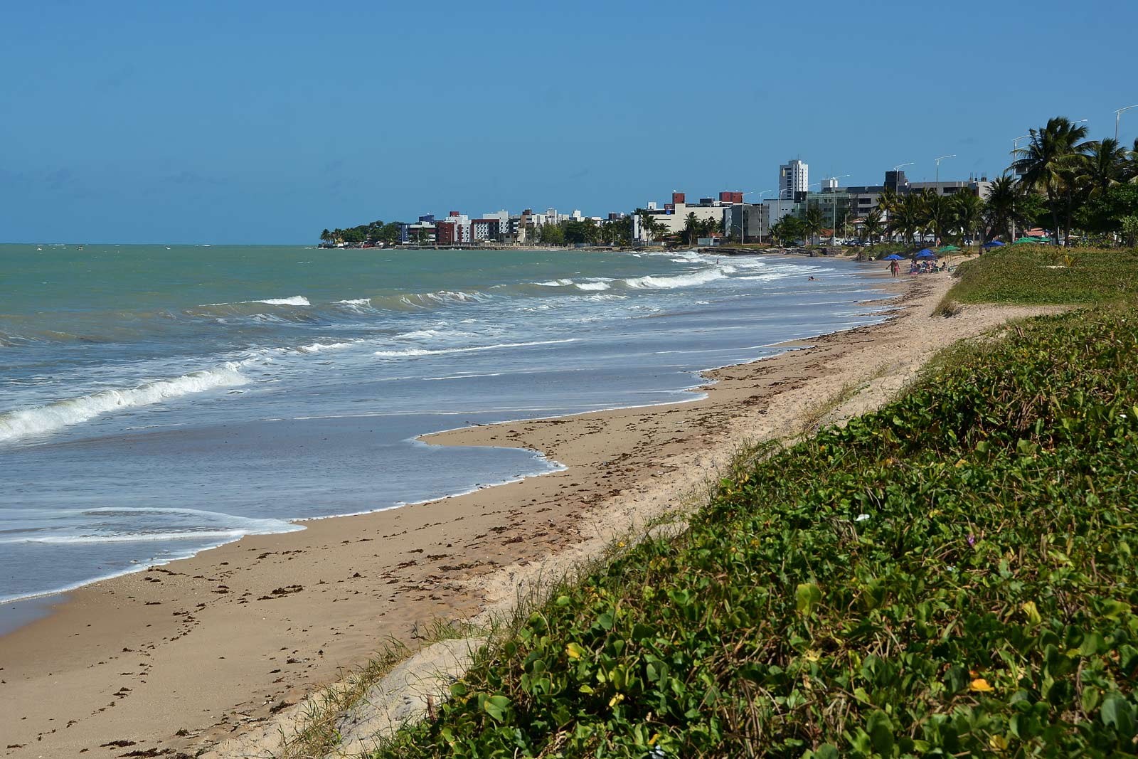 Bessa, Manaíra, Cabo Branco e outras praias têm trechos impróprios para banho