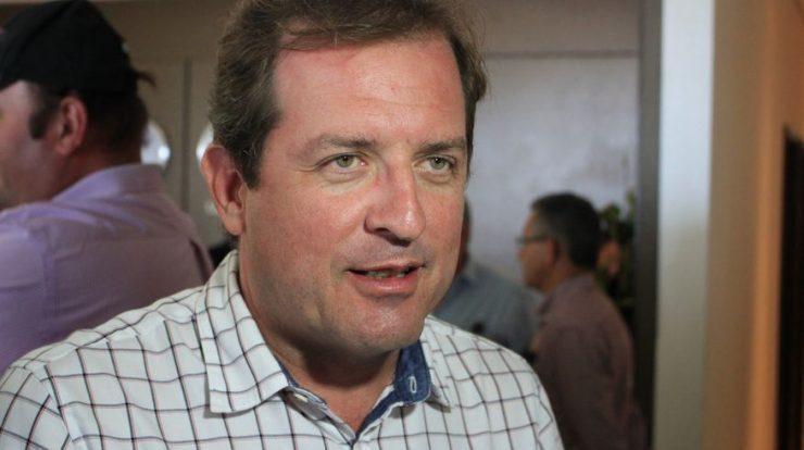 Na contramão do decreto estadual, prefeito de Sousa manda reabrir o comércio