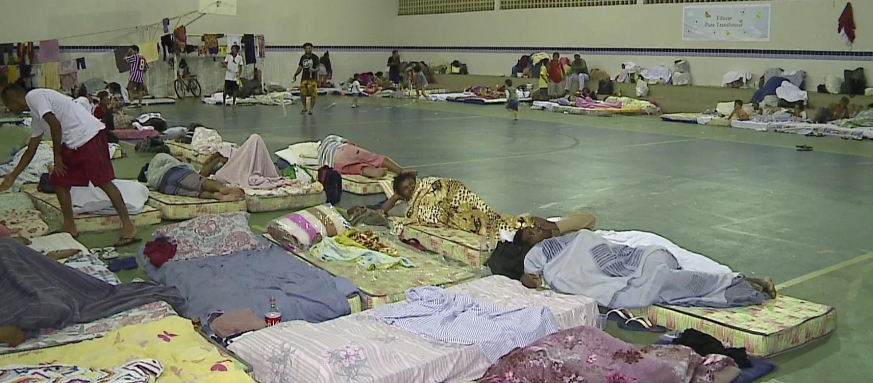 Chuvas: espaços públicos recebem famílias desalojadas