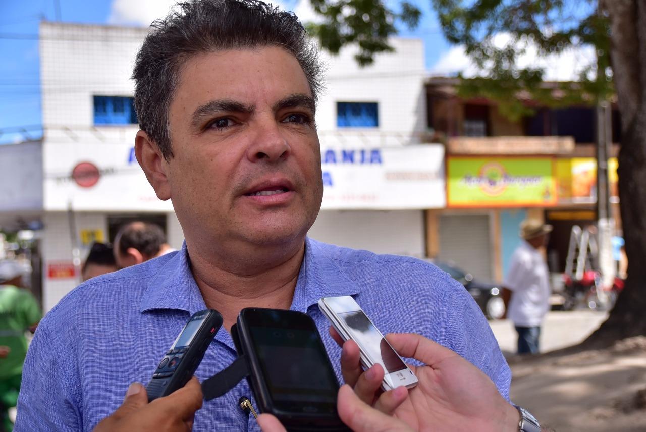 E se Ronaldo Cunha Lima Filho for mais um a disputar o apoio de Romero Rodrigues à prefeitura de Campina Grande, ano que vem? Como o que me lasca é minha memória,…