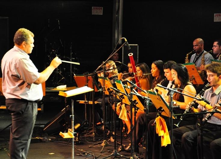 Banda 5 de Agosto se apresenta no Centro Ariano Suassuna
