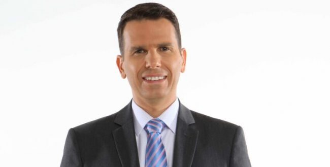 O Sistema Arapuan de Comunicação está nas tratativas com o ex-apresentador do SBT Notícia – recentemente demitido por Silvio Santos – João Fernandes.