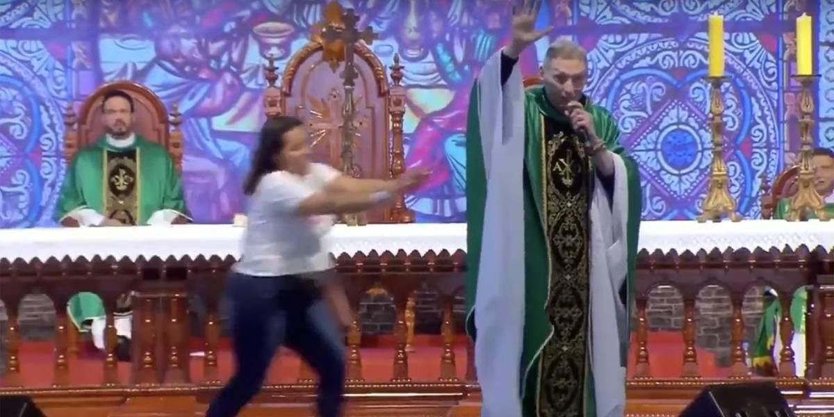 Padre Marcelo foi empurrado após atacar mulheres