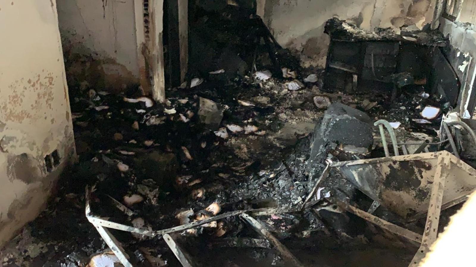 Escritórios de galpões são destrídos por incêndios na estrada de Cabedelo