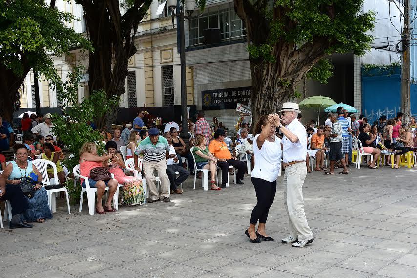 Grupo Luar do Sertão se apresenta hoje no Sabadinho Bom