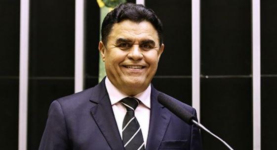 Cocadinha de Sal acaba de me ligar perguntando qual será o partido que receberá o apoio do PTB nas eleições do ano que vem…