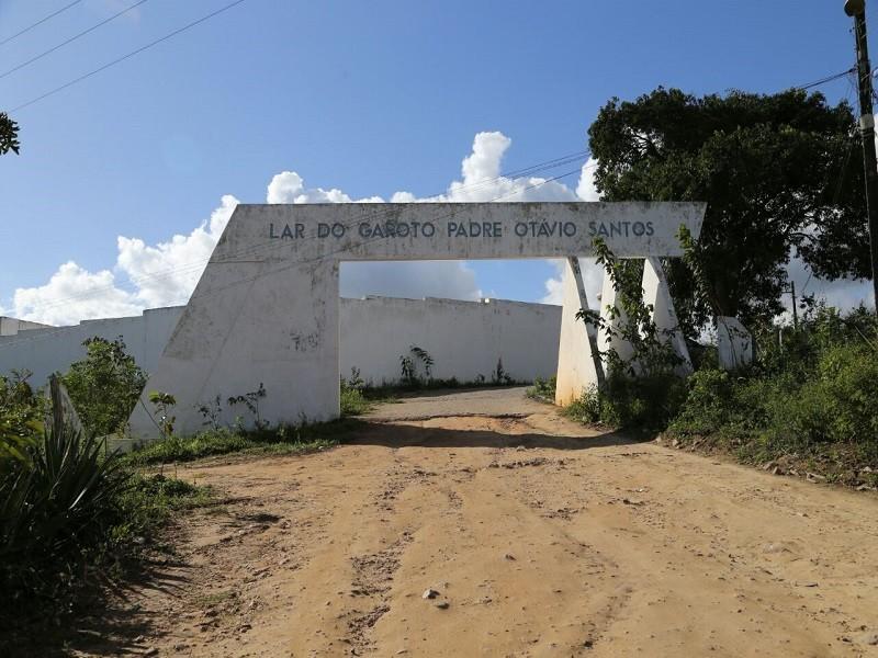 Dez internos pulam muro e fogem do Lar do Garoto em Lagoa Seca
