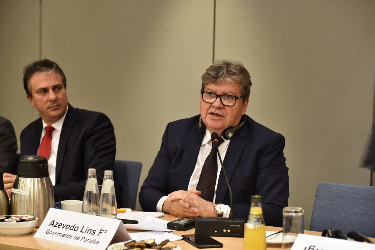 João Azevêdo destaca potencial tecnológico de CG em encontro com empresários alemães