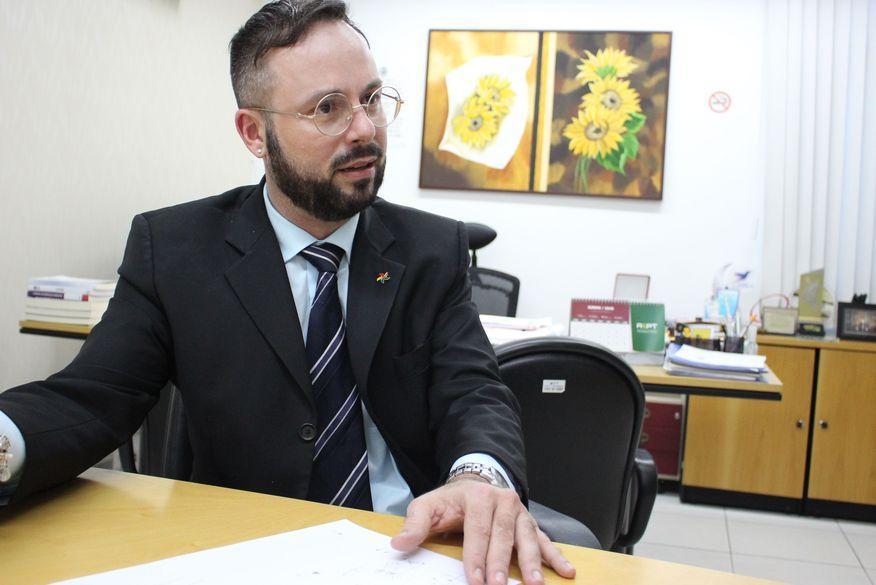Procurador afirma que quem furou fila da vacina vai ser penalizado criminalmente