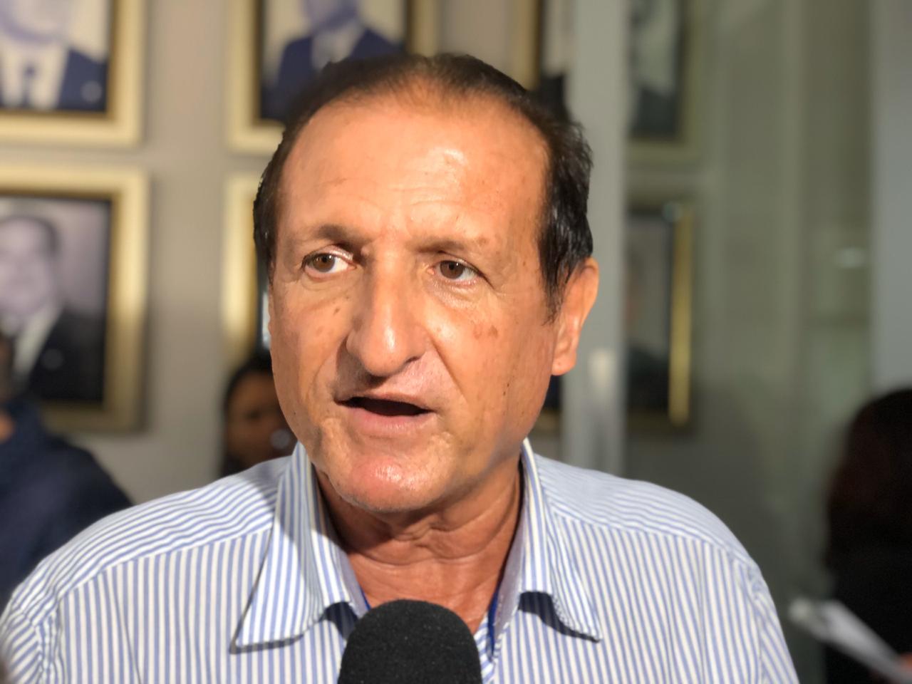 Hervázio comenta lei que libera bebidas alcoólicas em estádios: 'chega em boa hora'