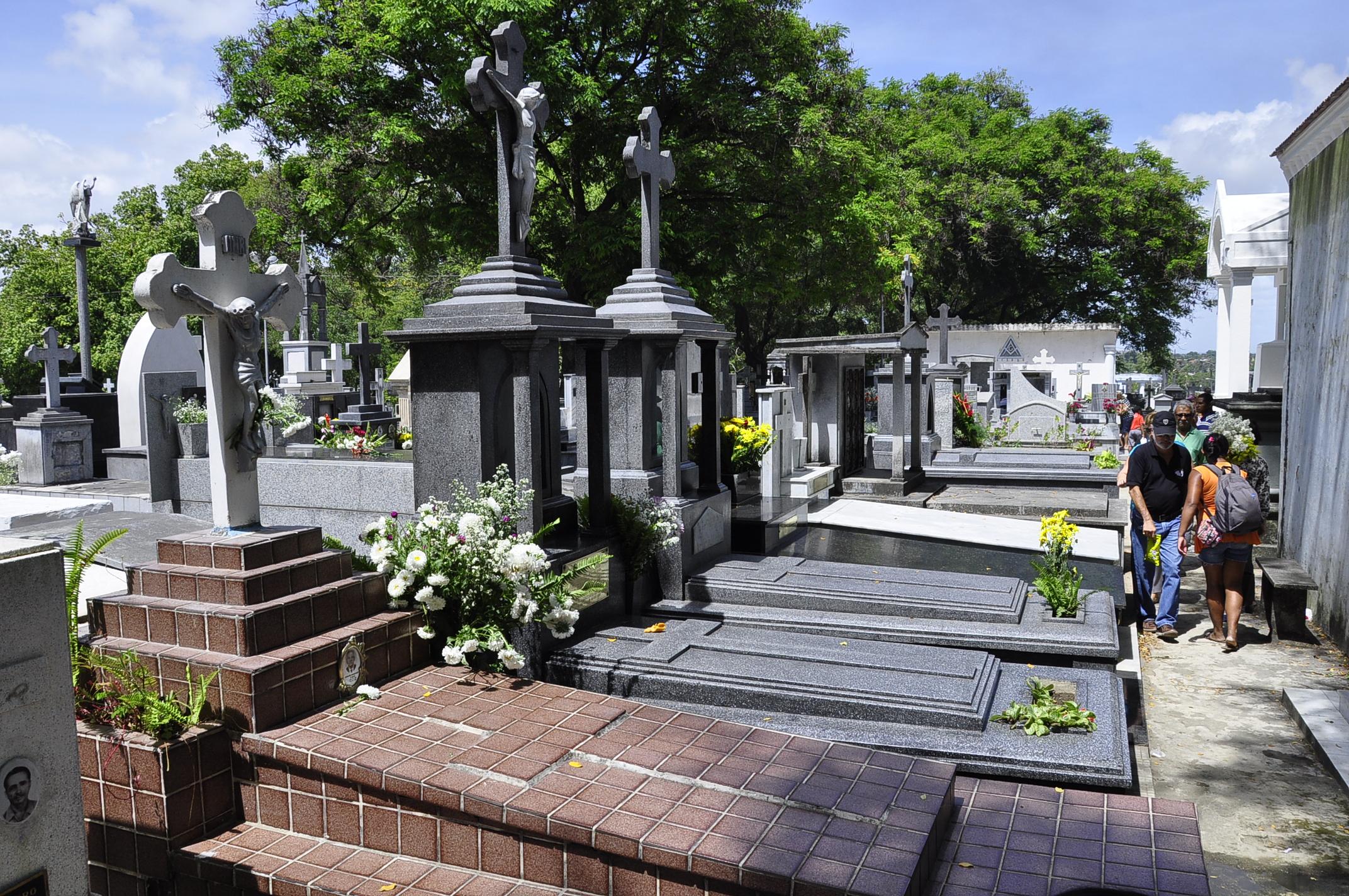 Cemitérios de João Pessoa não vão abrir para visitação neste domingo de Dia das Mães