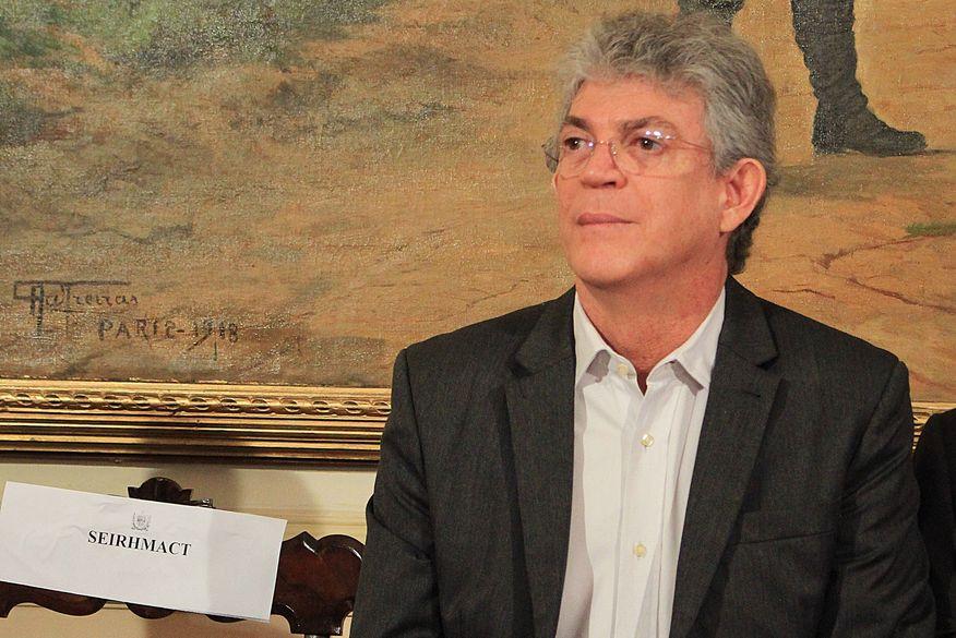 Gaeco denuncia Ricardo Coutinho e mais seis por desvio de dinheiro para obra do Canal 40