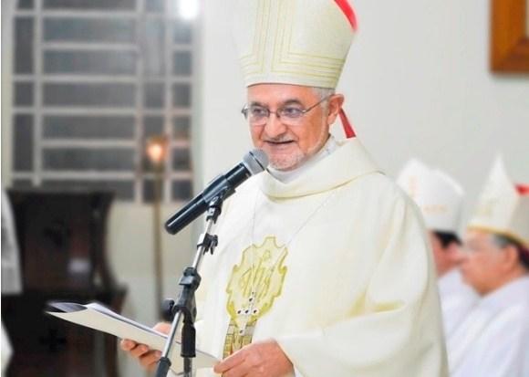 Após isolamento de cinco meses, Dom Delson preside Missa dos Santos Óleos
