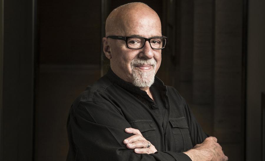 Dito mago, Paulo Coelho revelou não ter saco para discípulos à Veja
