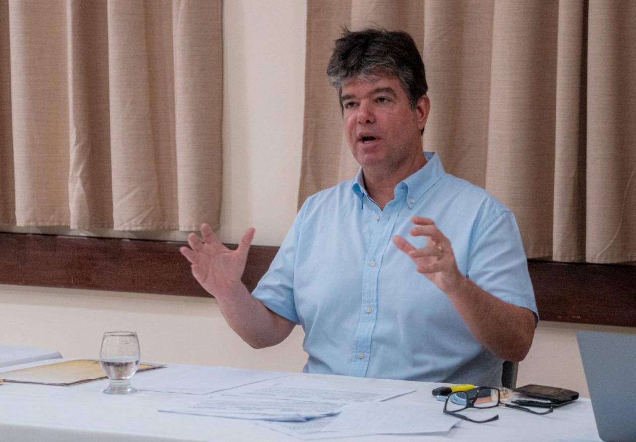 Ruy Carneiro projeta apoio de quatro ou mais partidos em JP