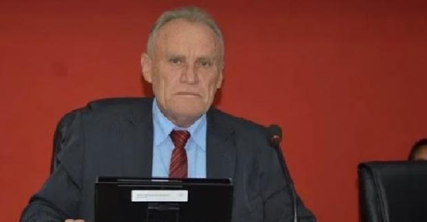 Presidente de Câmara de Cajazeiras desiste da compra de motos e doará R$ 100 mil para construção de abrigo de animais