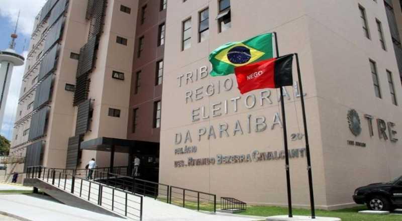 Camilo Duarte e Carlos Monteiro registram candidatura no último dia de prazo