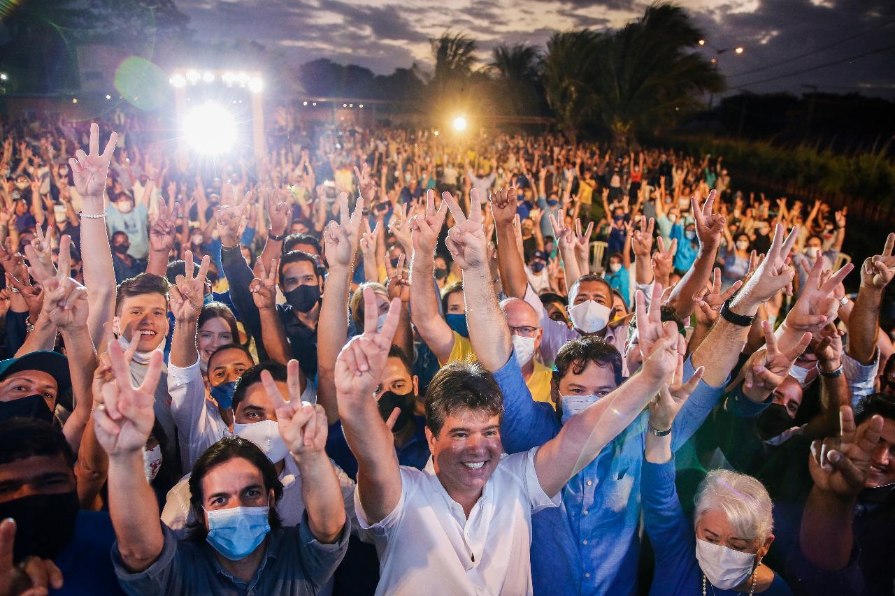 """Ruy Carneiro dá o tom da campanha: """"A eleição é entre quem fez e quem não fez pela cidade, mas também entre ficha limpa e corrupção"""""""