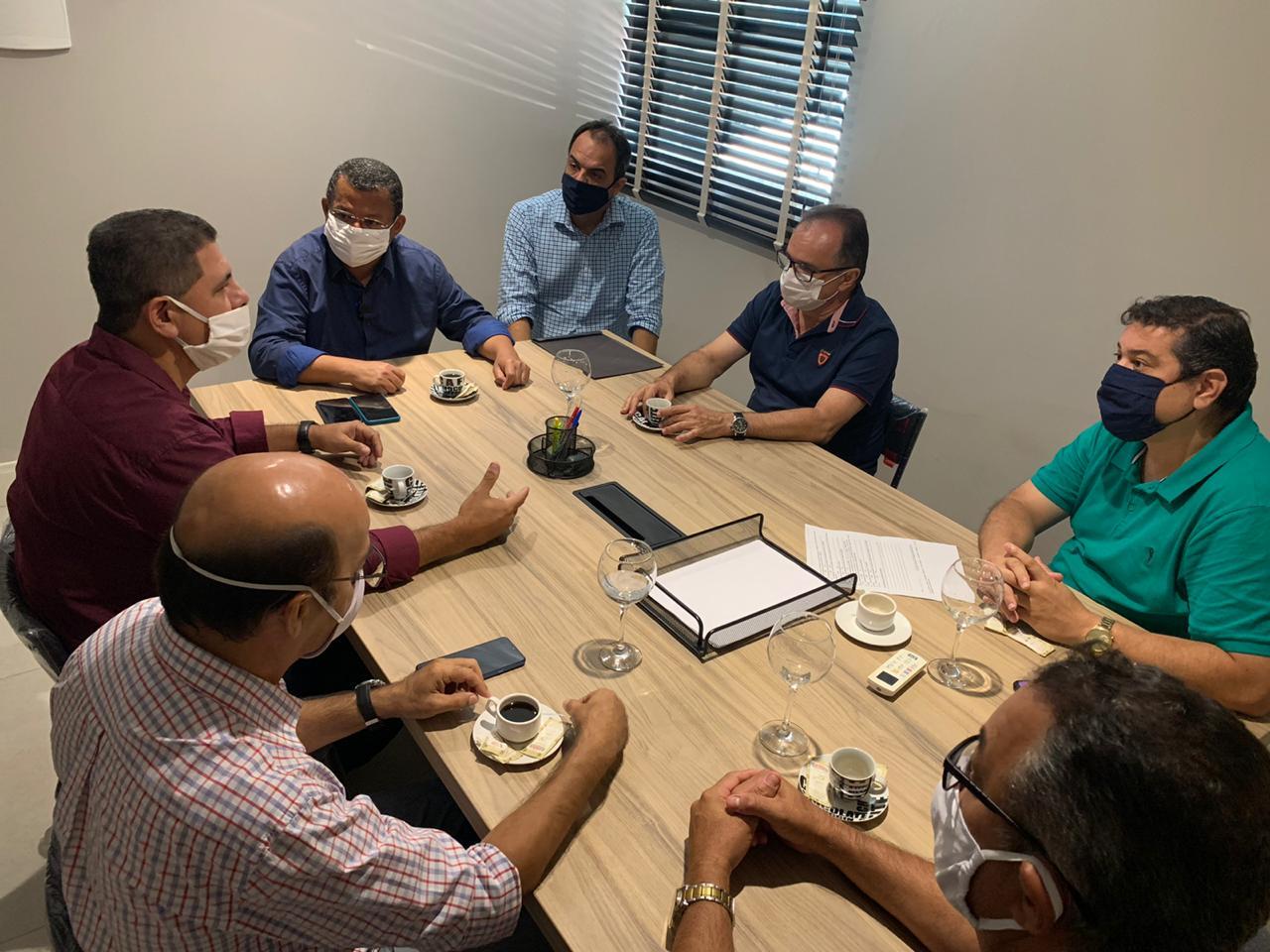 Nilvan se reúne com representantes do Sindifarma-JP e garante desburocratização para funcionamento de farmácias e drogarias de João Pessoa