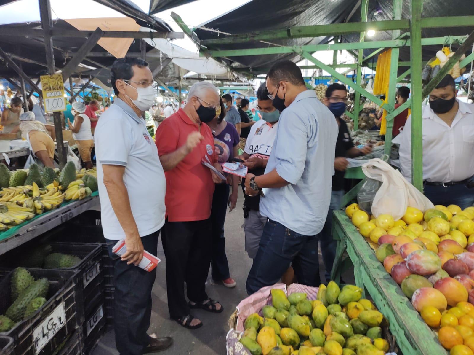 Ao lado de Frei Anastácio, Anísio Maia visita Feira de Jaguaribe e destaca requalificação dos mercados públicos