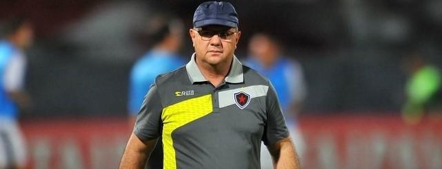 Sinal amarelo para Marcelo Vilar no Botafogo-PB, que precisa reagir na Copa do Nordeste