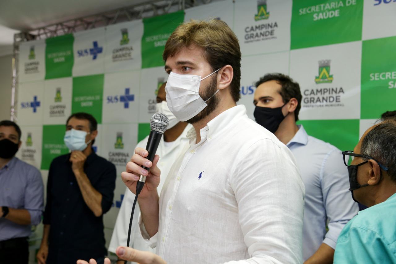 Bruno rebate denúncia de fura fila em CG e irá expor lista dos vacinados