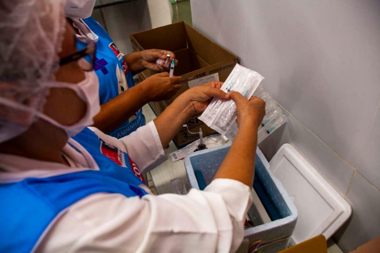 PMJP inicia vacinação de profissionais da Atenção Básica; confira o cronograma