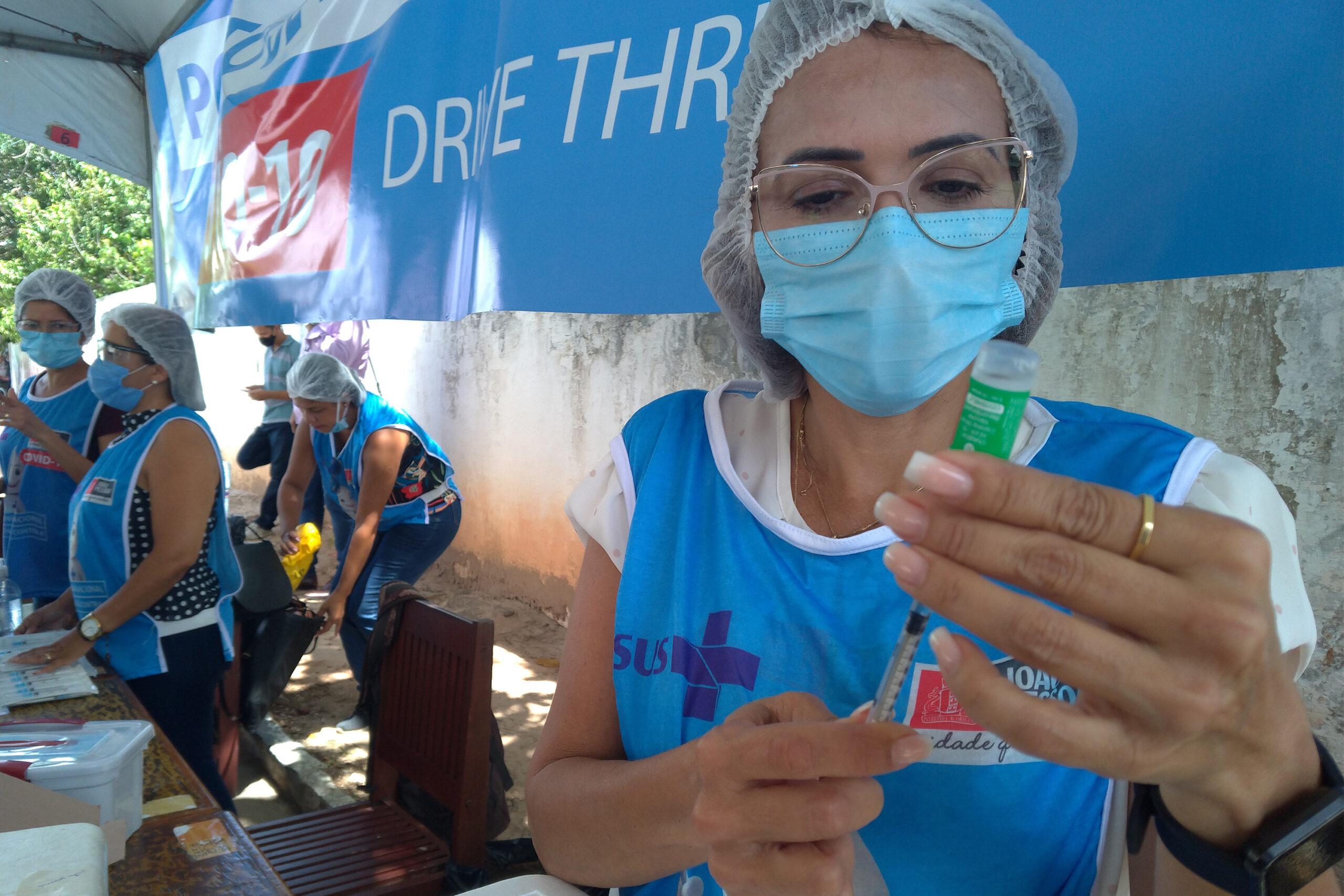 João Pessoa retoma vacinação contra covid-19 em pessoas a partir de 33 anos sem comorbidades
