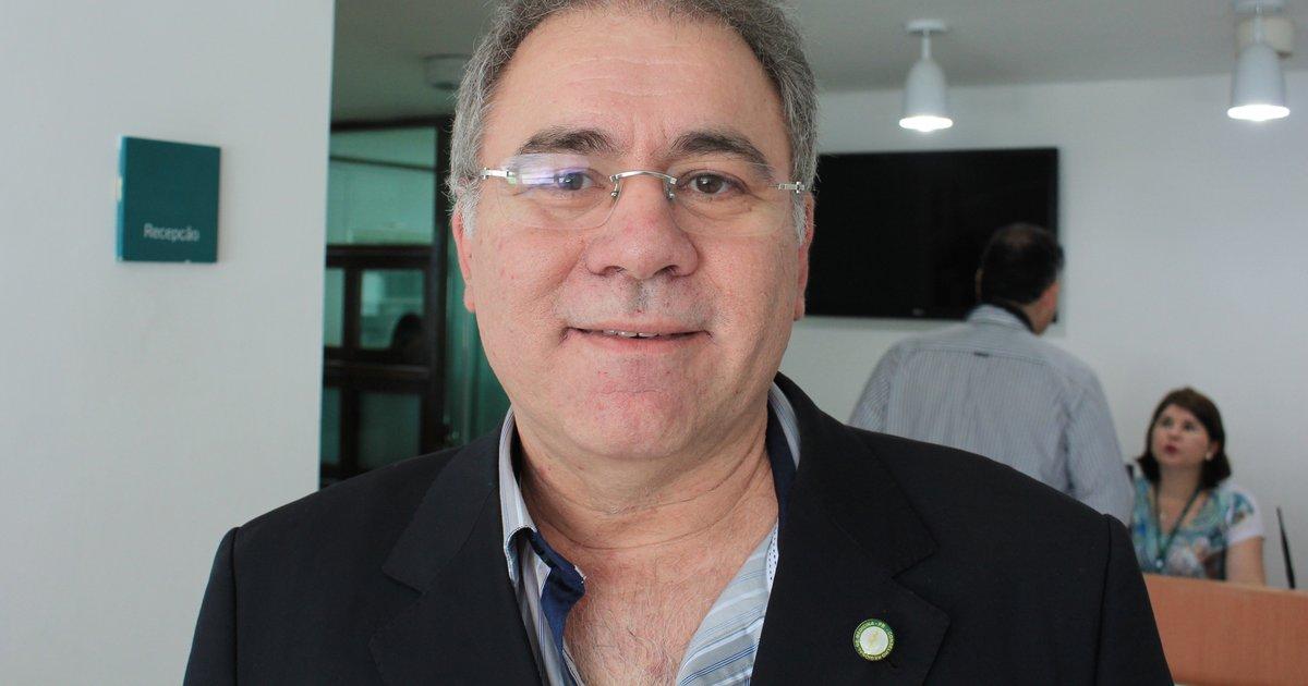 Queiroga merece a medalha Pazuello de subserviência